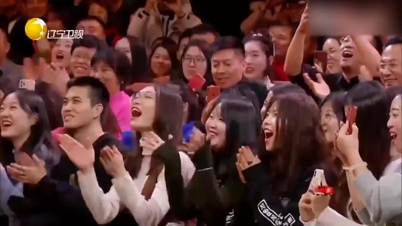 相声《影视新春乐》:冯巩空降大联欢,影视元素做灯谜爆笑全场!