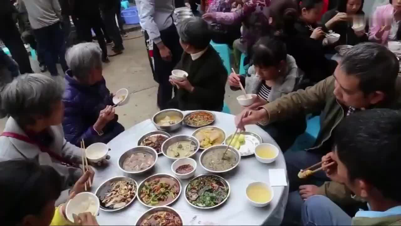 疫情前,贵州农村嫁女都是这样办酒席的,好无语