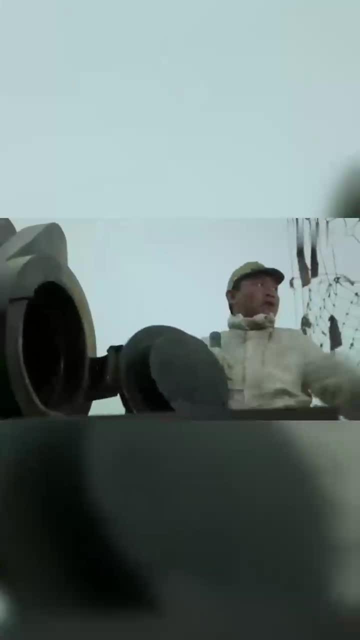 杨志华占领鬼子的重炮基地,战士看懵了,这炮口比腰都粗!