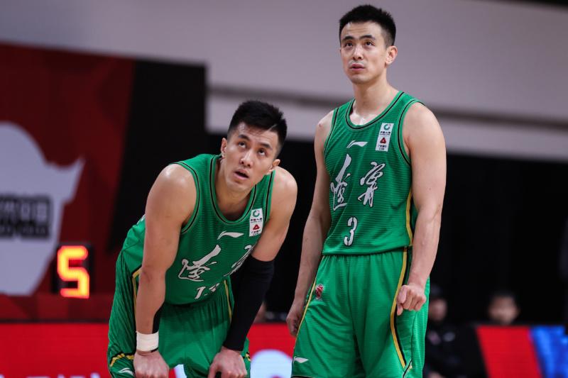 阿联已成带头大哥,他将率领中国男篮再战奥运,这一天终于来了!