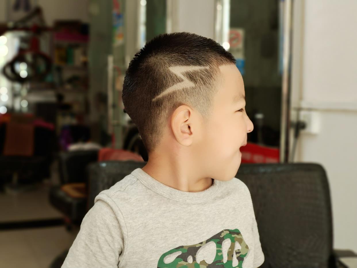 新帅气小男孩发型14款,时尚有型真精神,爸爸妈妈快收藏