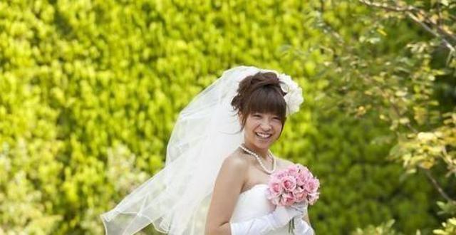 女孩供男孩上学,毕业后分手,女孩婚礼上收到信息,泪如雨下