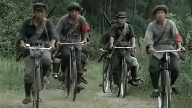 圣天门口,坚持不上自行车,是段奕宏最后的倔强,偏要跟自己较劲