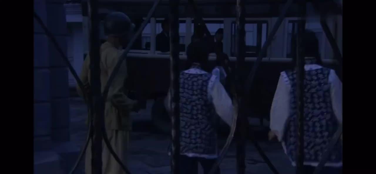 军长得知女儿被保安团关进监狱,立刻调集军队,这阵势真吓人