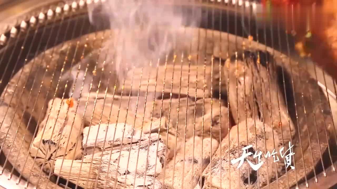 东北烤牛肉,吃的精髓一次说明白,这种肉讲究汁多肉嫩才叫香!