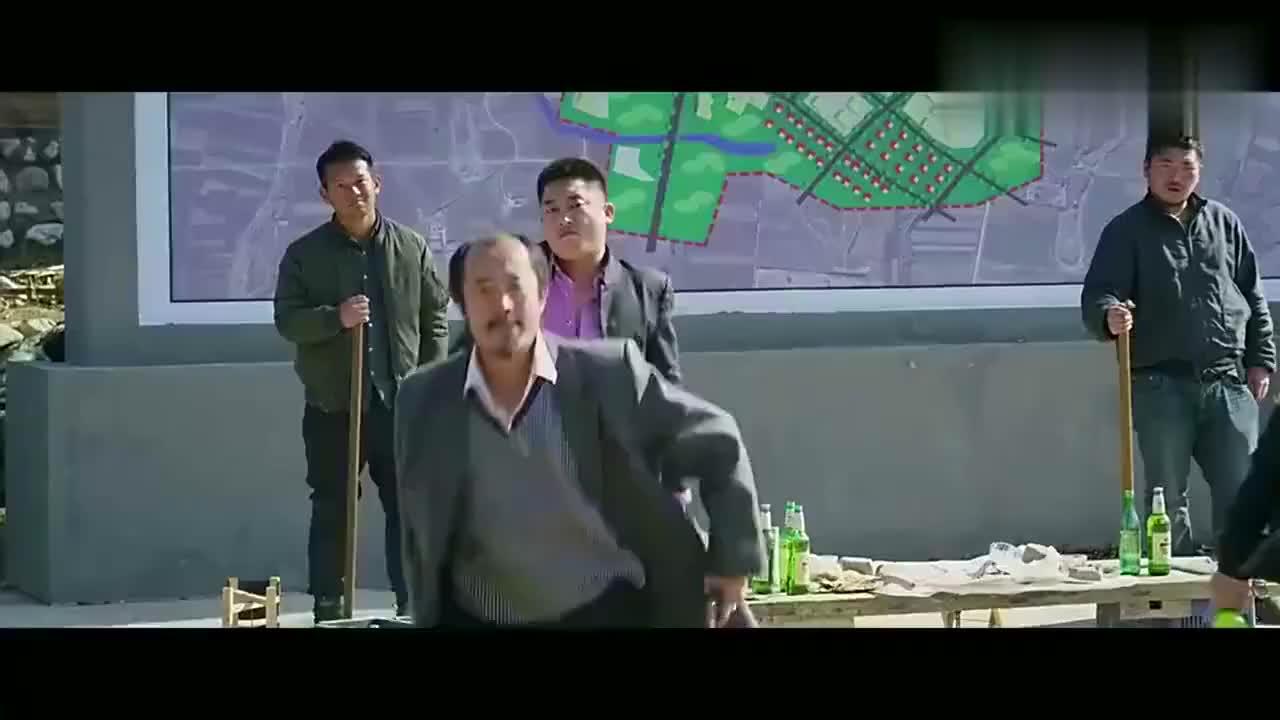 影视片段:电影中最贵一脚,吴京一脚踢出了几十亿的票房