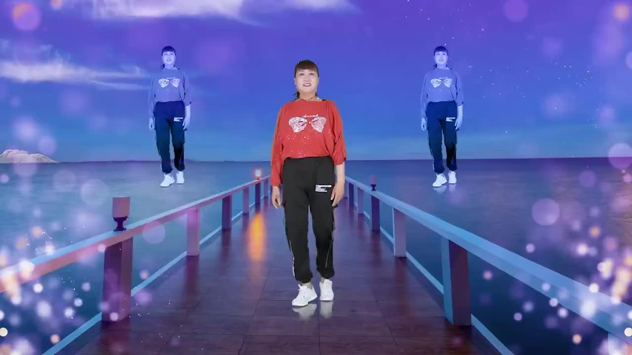 网络歌曲《七秒记忆》广场舞64步,舞步好看歌声醉人