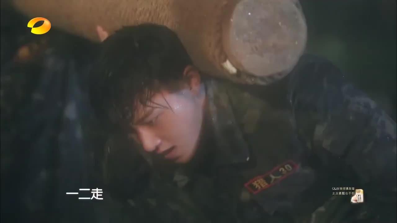 黄子韬体力透支直接晕倒,杨幂直接傻眼,地狱训练太残酷!