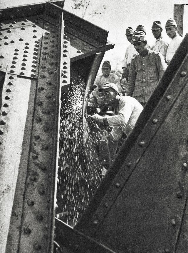 1937年日寇镜头下的京汉铁路,它由慈禧批准修建却一直多灾多难