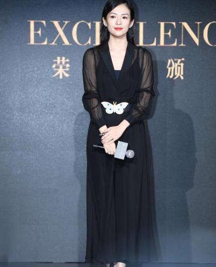 章子怡穿薄纱装那叫高级,透而不露真优雅,我想也就她能穿得不俗