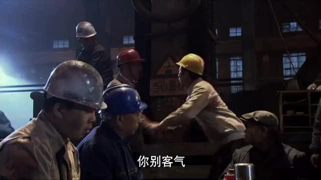 钢的琴:桂林开会遭众嘲,季哥姗姗来迟,这就是战友情