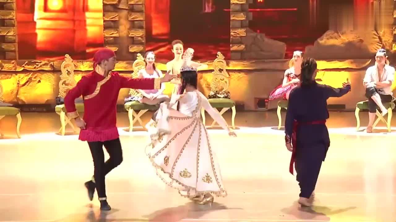 中国好舞蹈:金星团队学员上好舞蹈,优美双人舞表演,引观众喝彩