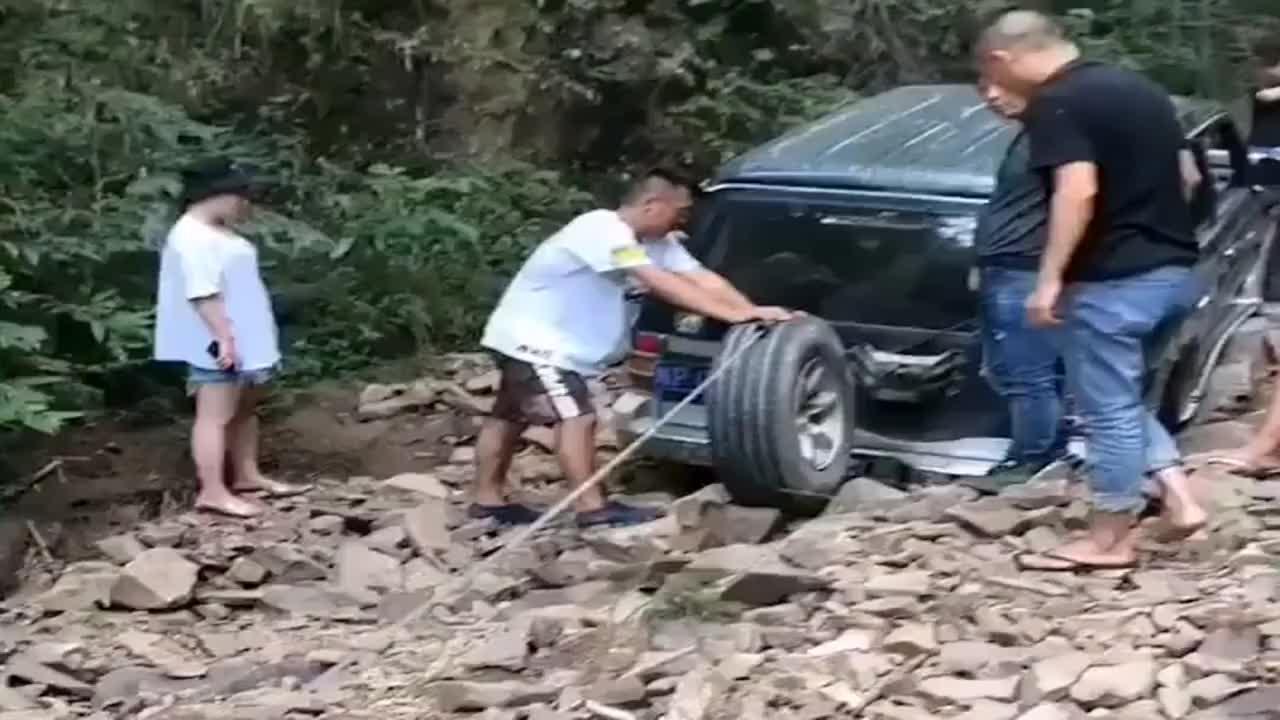 越野玩家解锁了备胎的新用途,都是积累的经验,看来没少拖车啊!