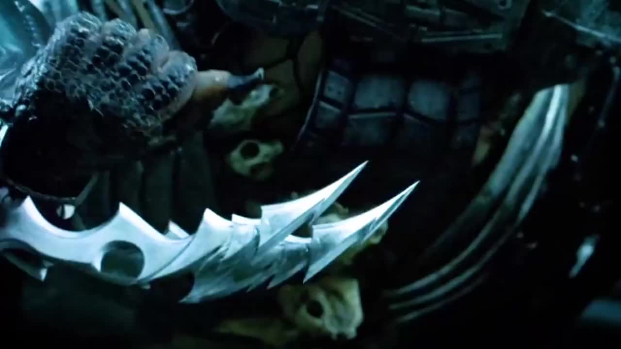 铁血战士的成年仪式,第一步就是去猎杀异形