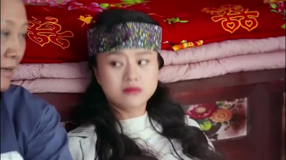 田小草:喜凤说小草不是姑娘,李母怀疑了