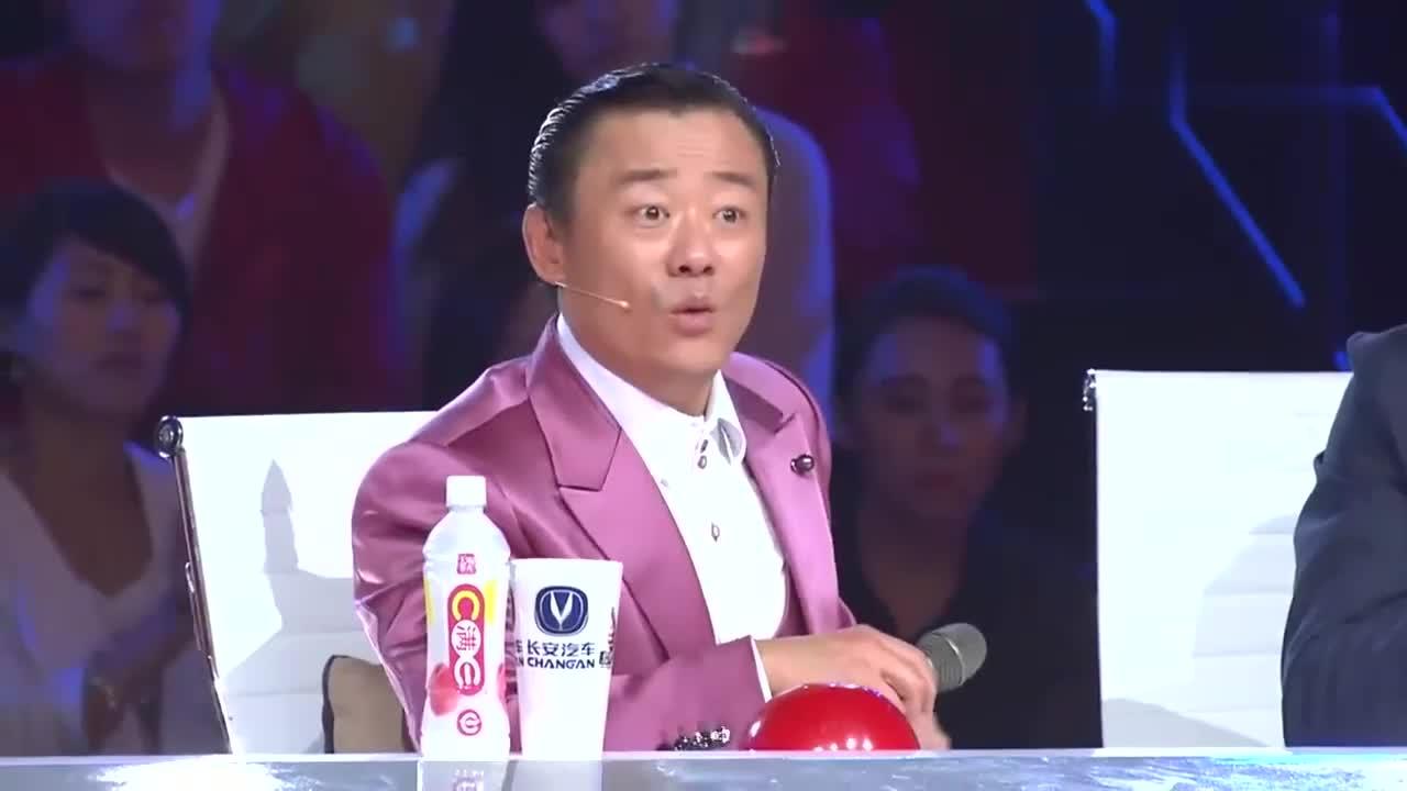 出彩中囯人:河南小伙出彩舞台,表演武功绝技,震惊全场