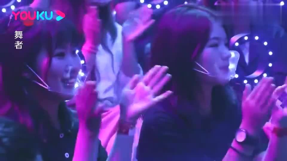 舞者:金星对选手的舞台充满肯定,微笑的说出对她最大的期待
