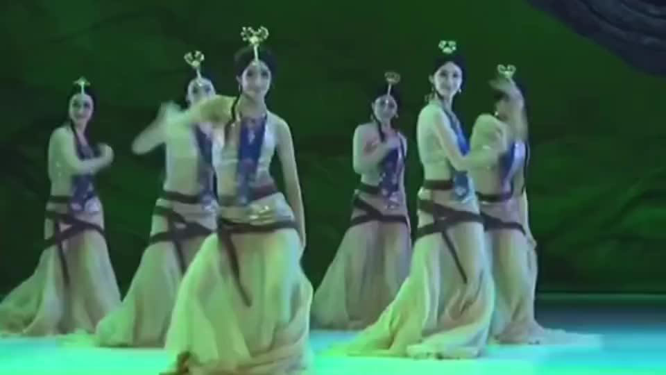 古风版歌曲《花与马》配上这段古典舞,惊艳到了吗