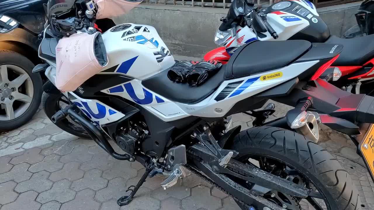 女骑为了冬天也能骑摩托花5000元买了这些装备电加热坐垫真香
