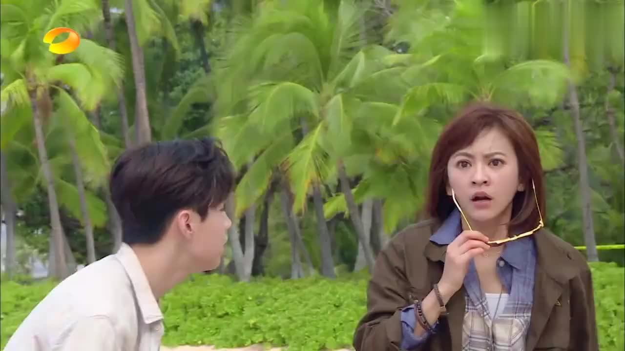 强森考验刘宪华抖胸肌,杜海涛抖起了肥肉,何炅:原谅我笑了