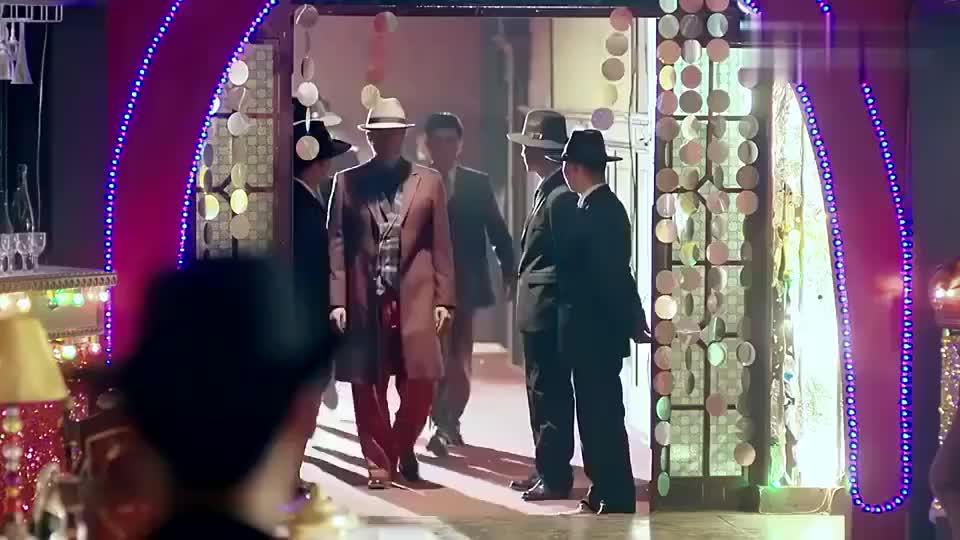 影视:汉奸设陷阱给小伙以为稳胜,不想这是小伙演的一场戏!