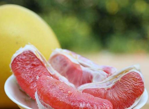 怎么才能挑到好的柚子?牢记3个窍门,保证大家一挑一个准