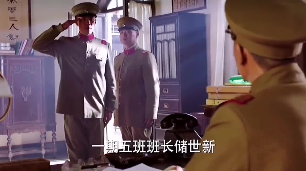 少帅:张学良初入军营,大帅训话特逗:除了老婆什么都可以给!