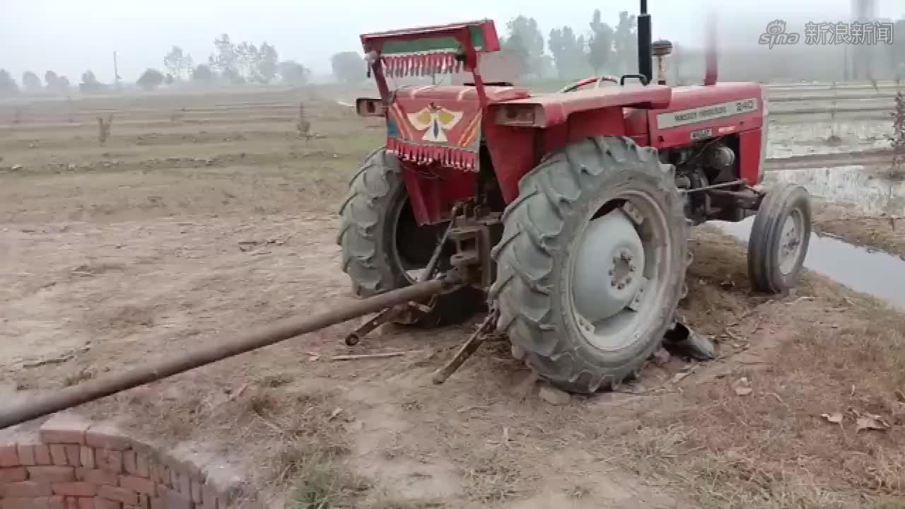 第一次见这样操作的!拖拉机抽水!