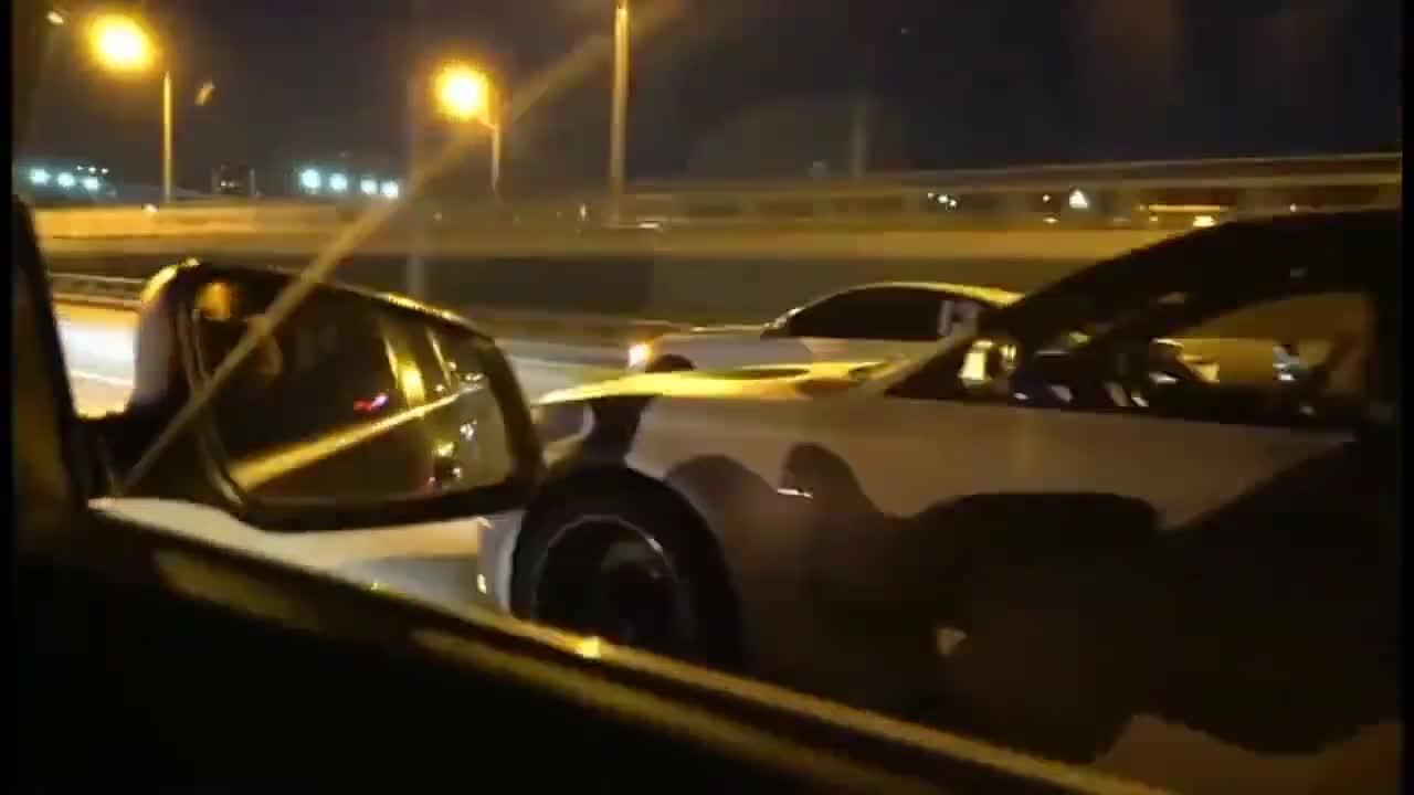 视频:奥迪S4在路上遇到宝马M4被挑衅了下,这可不能忍了