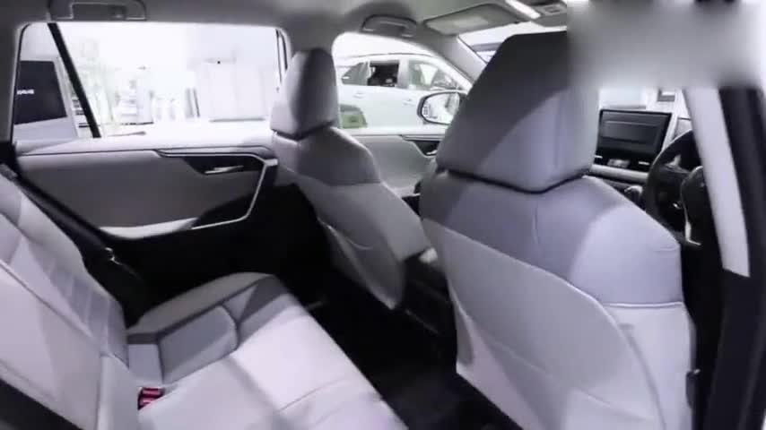 视频:新款丰田RAV4加装外观运动套件