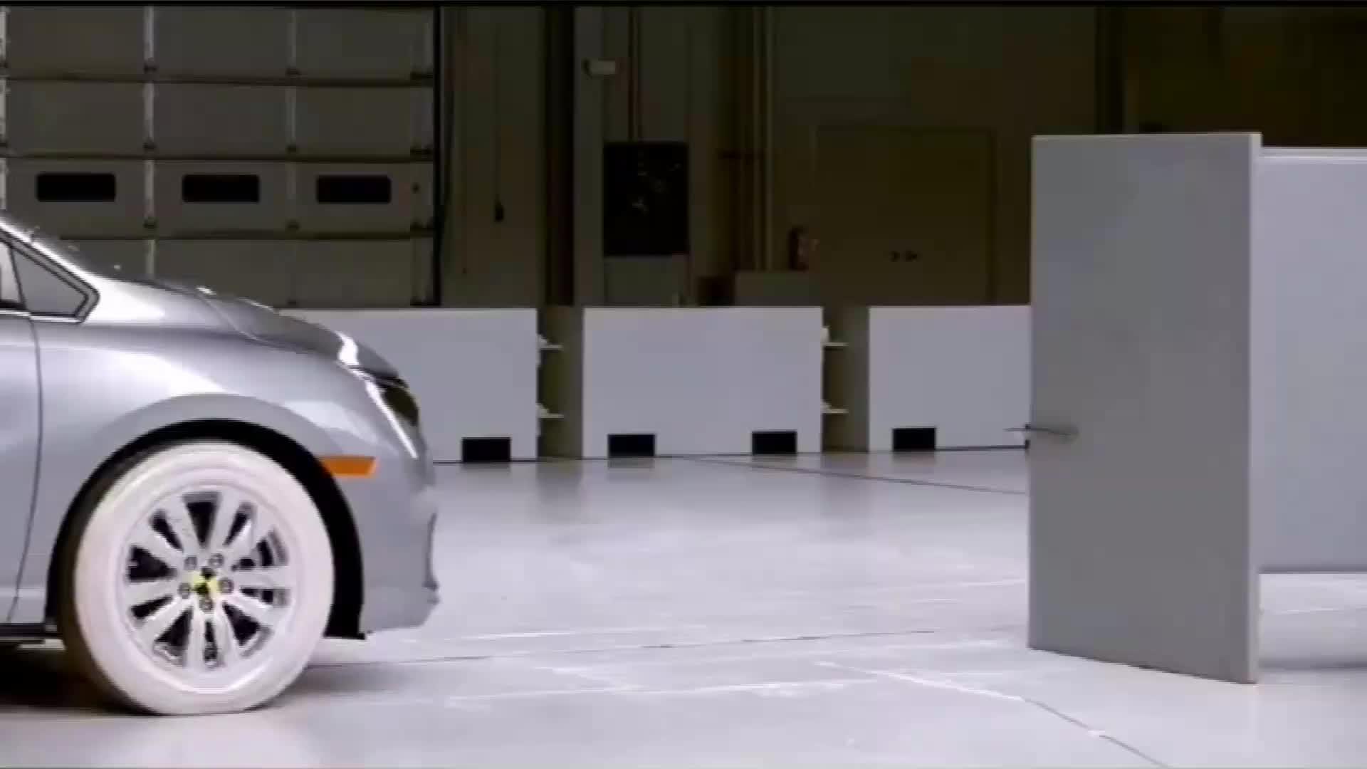 视频:本田奥德赛碰撞测试,不想多说了,大家自己体会吧
