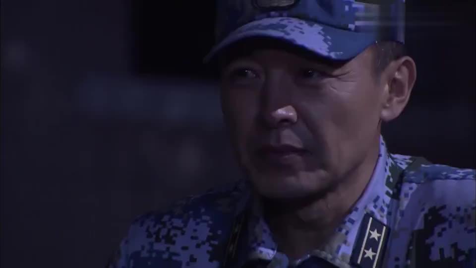 影视:刺头士兵不服管,教官直接打到他站不起来,真猛