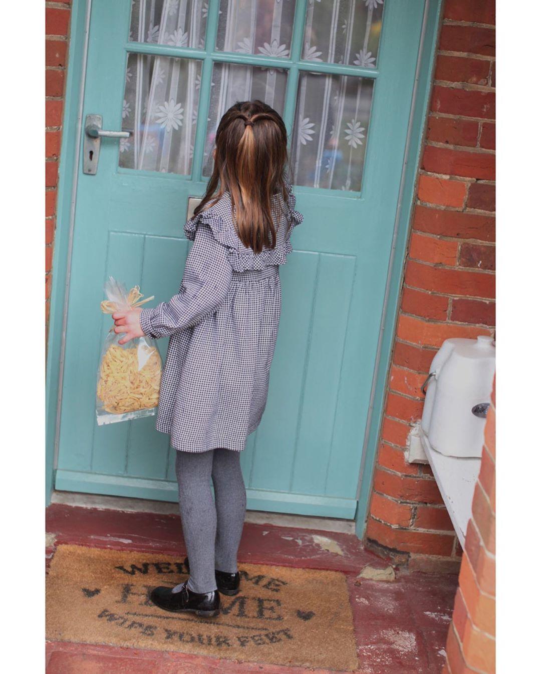 英国夏洛特公主5岁了! 凯特王妃拍摄的写真公开