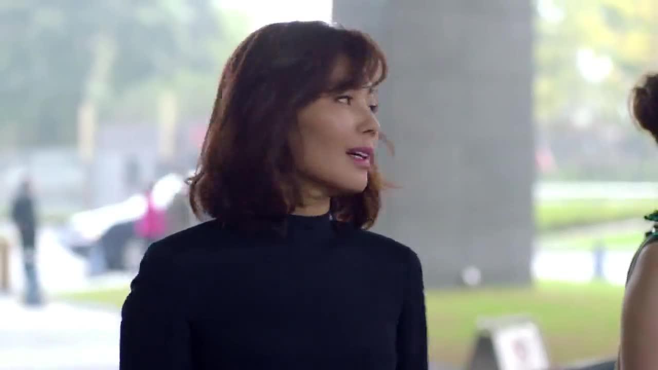 欢乐颂:杨紫一看见蒋欣和男子吃饭,要羡慕死了
