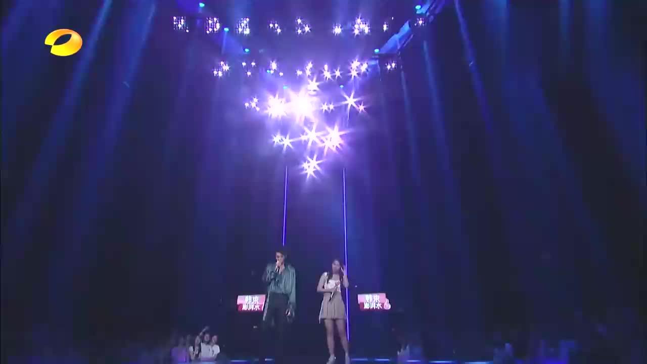 吴亦凡素人同台唱《想你》,网友:和赵丽颖有不一样的感觉!