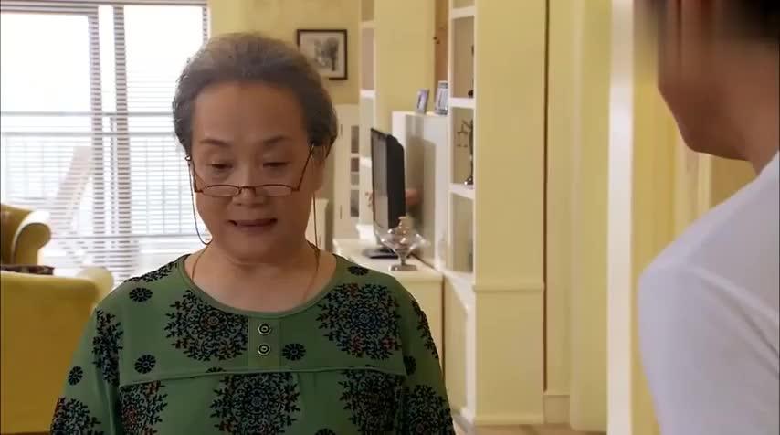奶奶给孙子办订婚仪式,儿子一听吓到了,慌忙去找老婆商量对策
