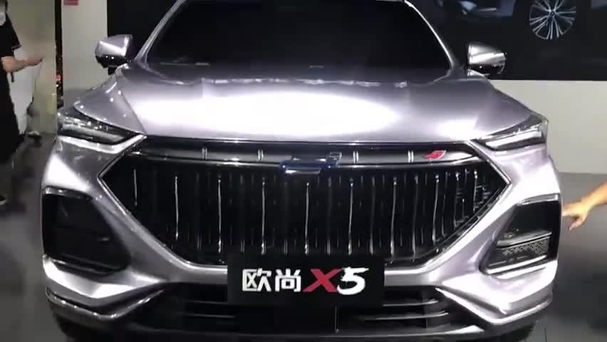 视频:长安欧尚X5,这大嘴,这设计,是不是很可以?