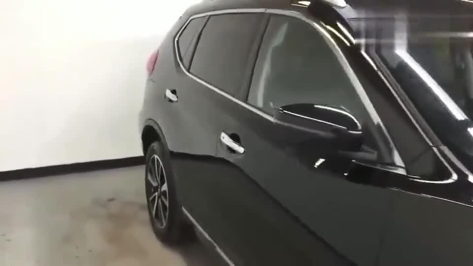 视频:新款日产奇骏新车展示,见到内设空间与后备箱,我顿时心动了!