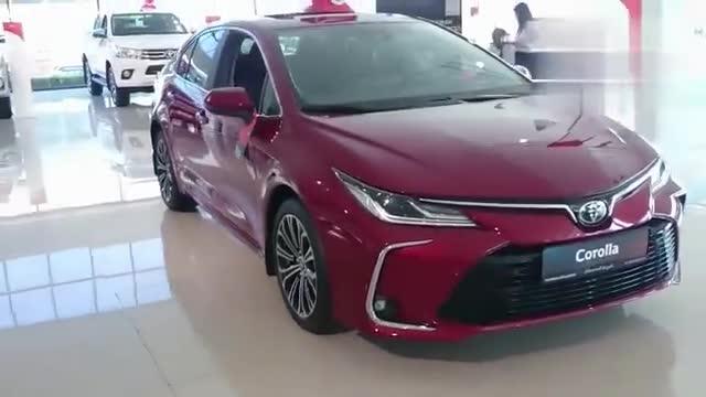 视频:丰田卡罗拉三厢版到店,全面了解