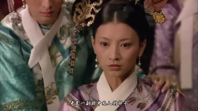 甄嬛传华妃吃酸黄瓜一幕,她跟导演吵了一架,最后郑晓龙妥协了