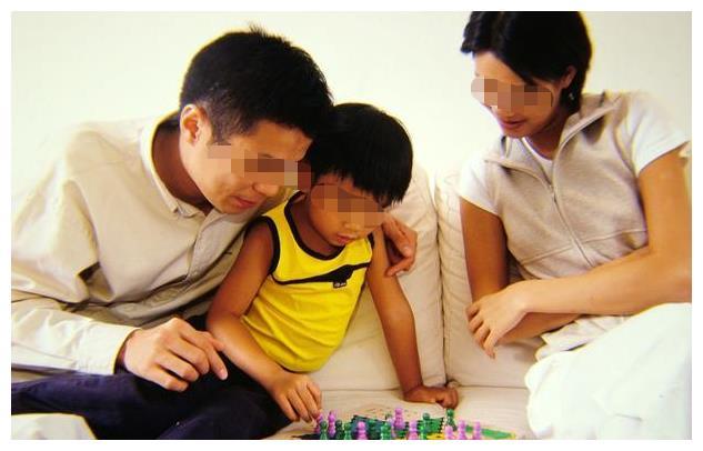 """如果你的孩子有以下3个迹象,可能会""""没教养"""",别再沾沾自喜"""