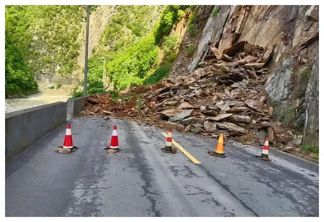 近期雨情致108国道周至山区段易发生塌方 请勿进山游玩