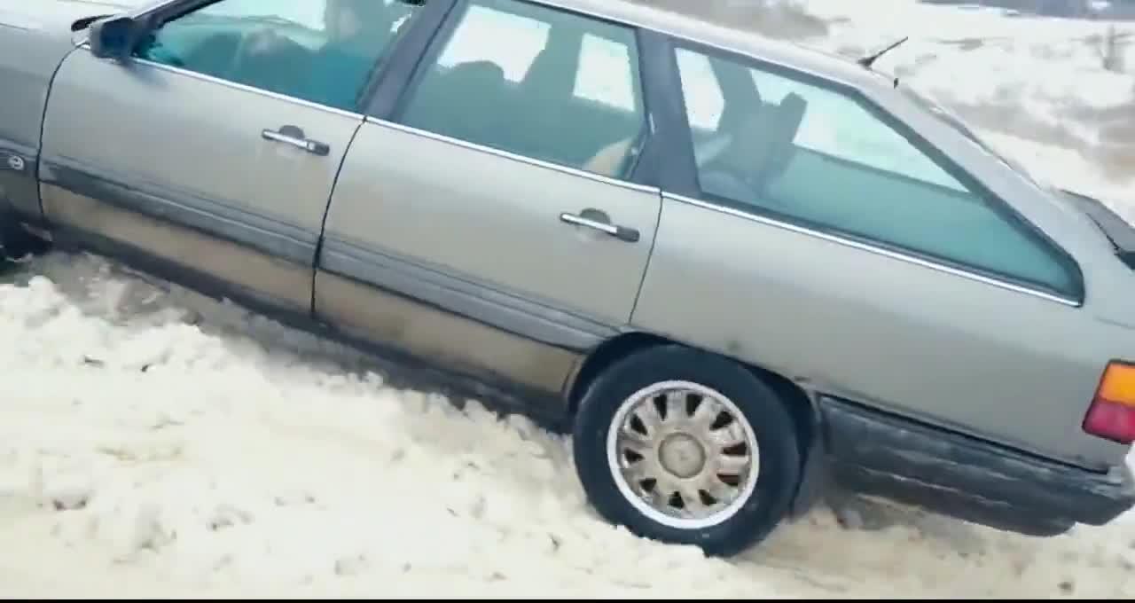 视频:哈弗H5、丰田霸道与斯巴鲁四驱区别有多大_比下雪地冲坡就知道了