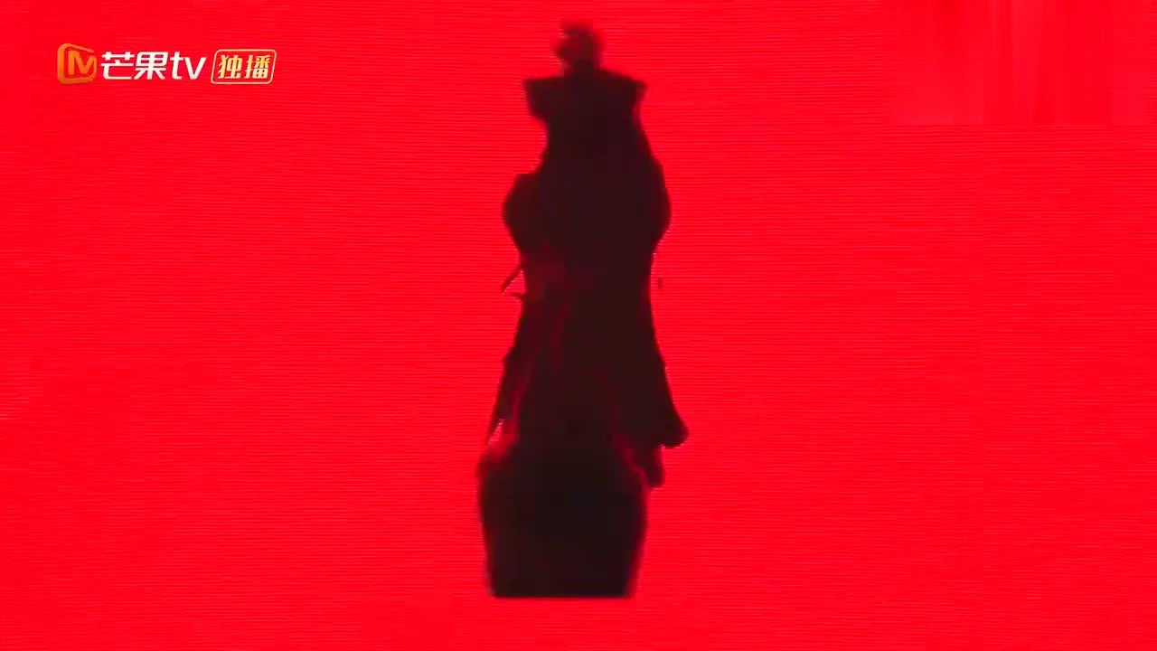 孟佳王霏霏合体热舞,这比例这线条,撒贝宁瞬间像触了高压电!