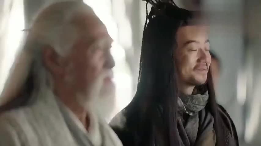 魔教教头前来挑衅:张无忌竟握住张三丰的手,暗中给他疗伤!