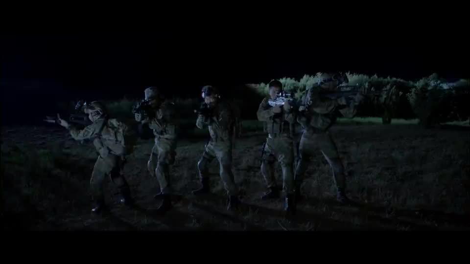 战狼特战队,这次碰上真狼,赶紧呼叫武装直升机支援