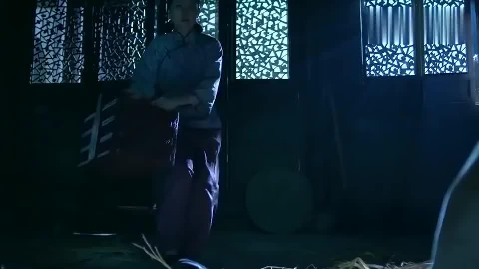 一代枭雄:何辅堂落魄被关押,被当初行善所救的丫鬟相救