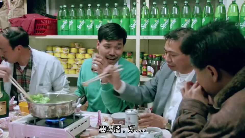 万梓良和吴孟达吃火锅,一桌子都是肉,吃得就是过瘾