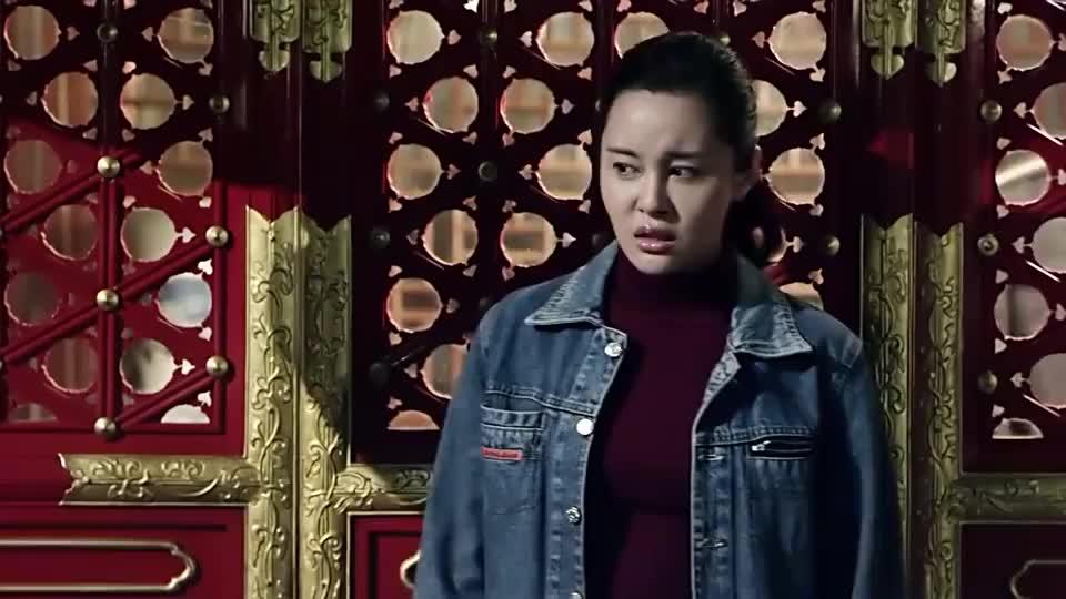 傻柱心里眼里都是娄晓娥,抛下二大爷,主动去找她!
