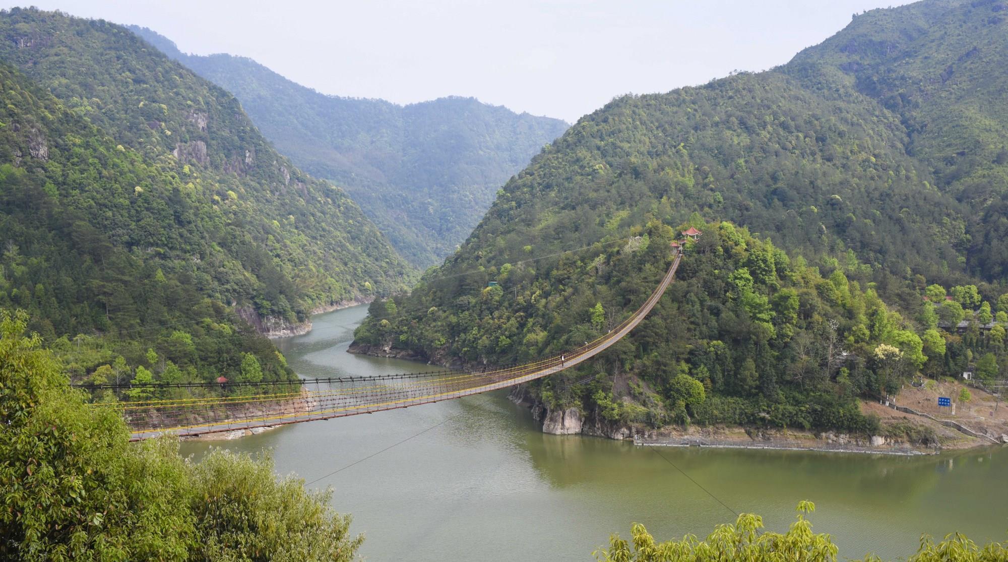 浙江温州藏着个冷门又有趣的小众旅行地,拥有中国最长的铁索桥!